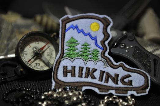 Шеврон Hiking